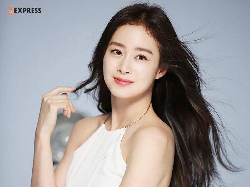 kim-tae-hee-la-la-ai-35express