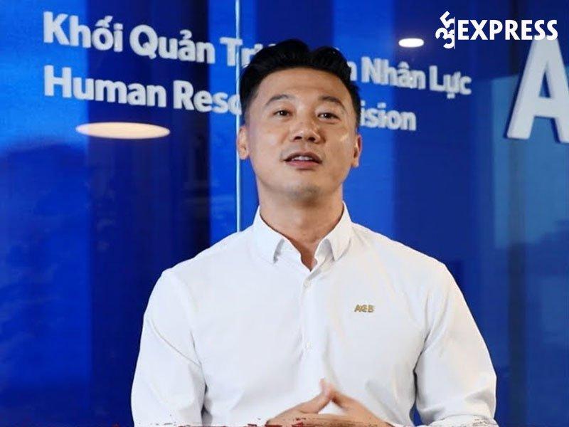 con-duong-su-nghiep-cua-nguyen-khac-nguyen-35express
