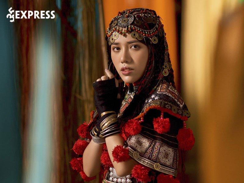 con-duong-su-nghiep-noi-khong-voi-scandal-cua-phung-khanh-linh-35express