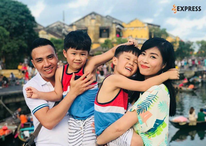 mc-hoang-linh-hanh-phuc-ben-chong-moi-35express
