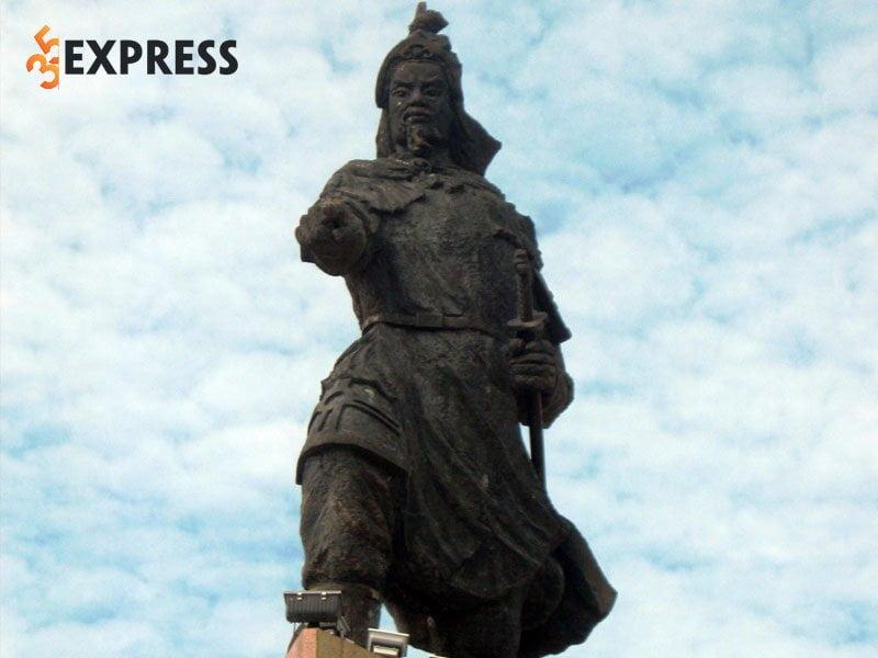nhung-cong-lao-cua-tran-quoc-tuan-duoc-ghi-nhan-35express
