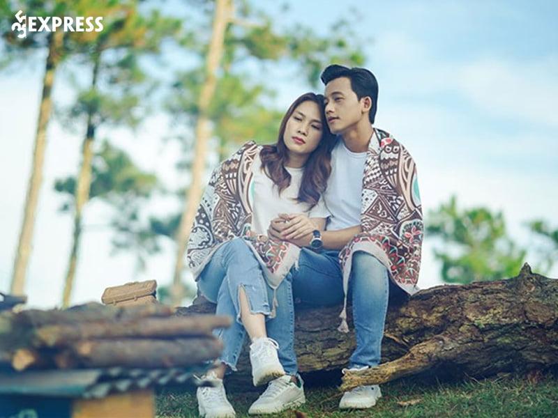 My-tam-chinh-thuc-cong-khai-hen-ho-voi-mai-tai-phen-35express