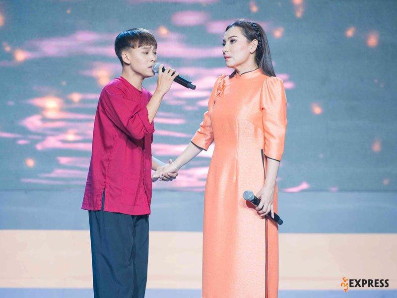 hanh-trinh-tro-thanh-quan-quan-vietnam-idol-kids-cua-ho-van-cuong-35express
