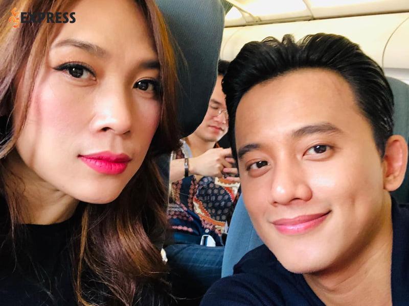 my-tam-chinh-thuc-cong-khai-hen-ho-voi-mai-tai-phen-35express-1