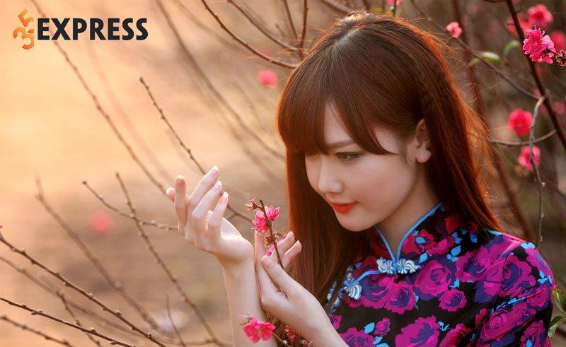 hinh-anh-cua-hot-girl-huong-hana-ben-hoa-dao-35express