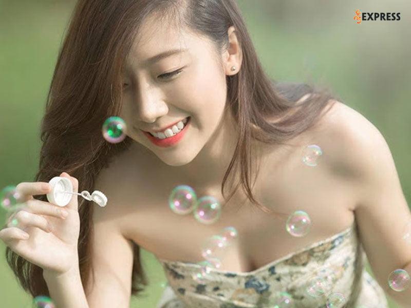 hot-girl-huynh-mi-la-ai-35express