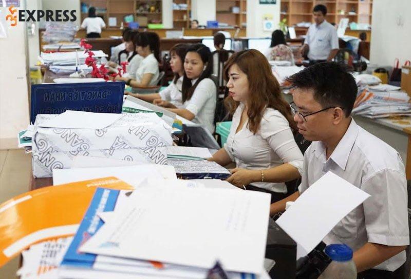 huong-dan-viet-phieu-danh-gia-phan-loai-vien-chuc-nam-2021-35express-1
