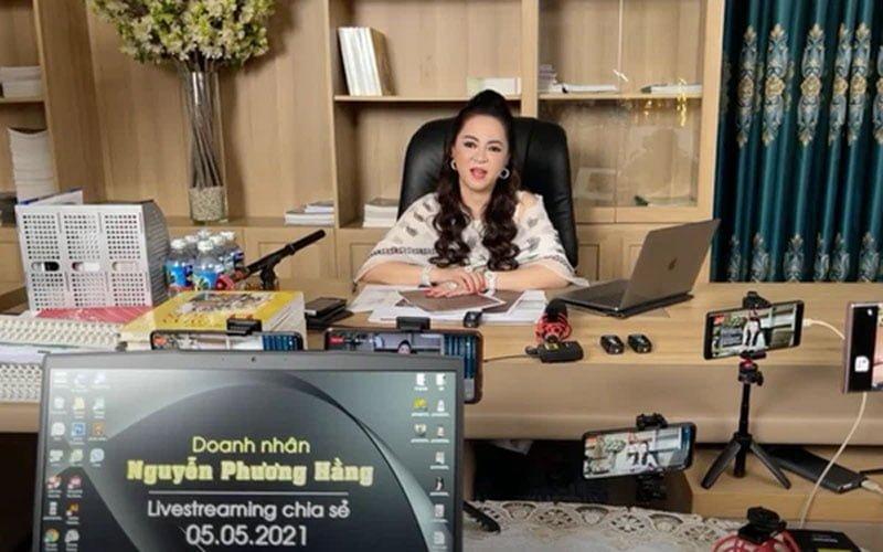 su-that-sau-moi-livestream-cua-ba-phuong-hang-gay-bat-ngo-2-35express