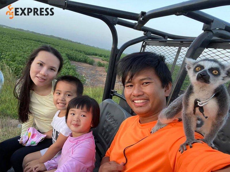 gia-dinh-hanh-phuc-cua-trieu-phu-vuong-pham-35express