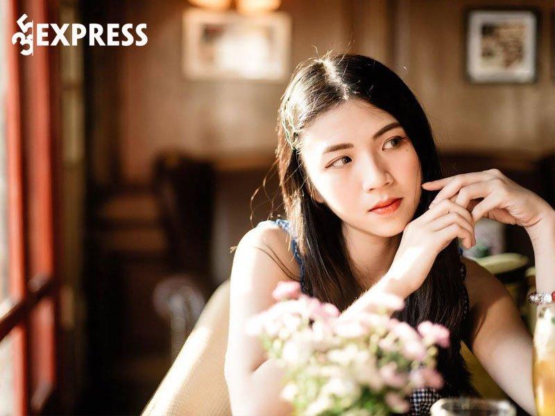 lan-thy-dat-hcv-mon-su-nhung-thi-tot-nghiep-duoc-375-diem-35express