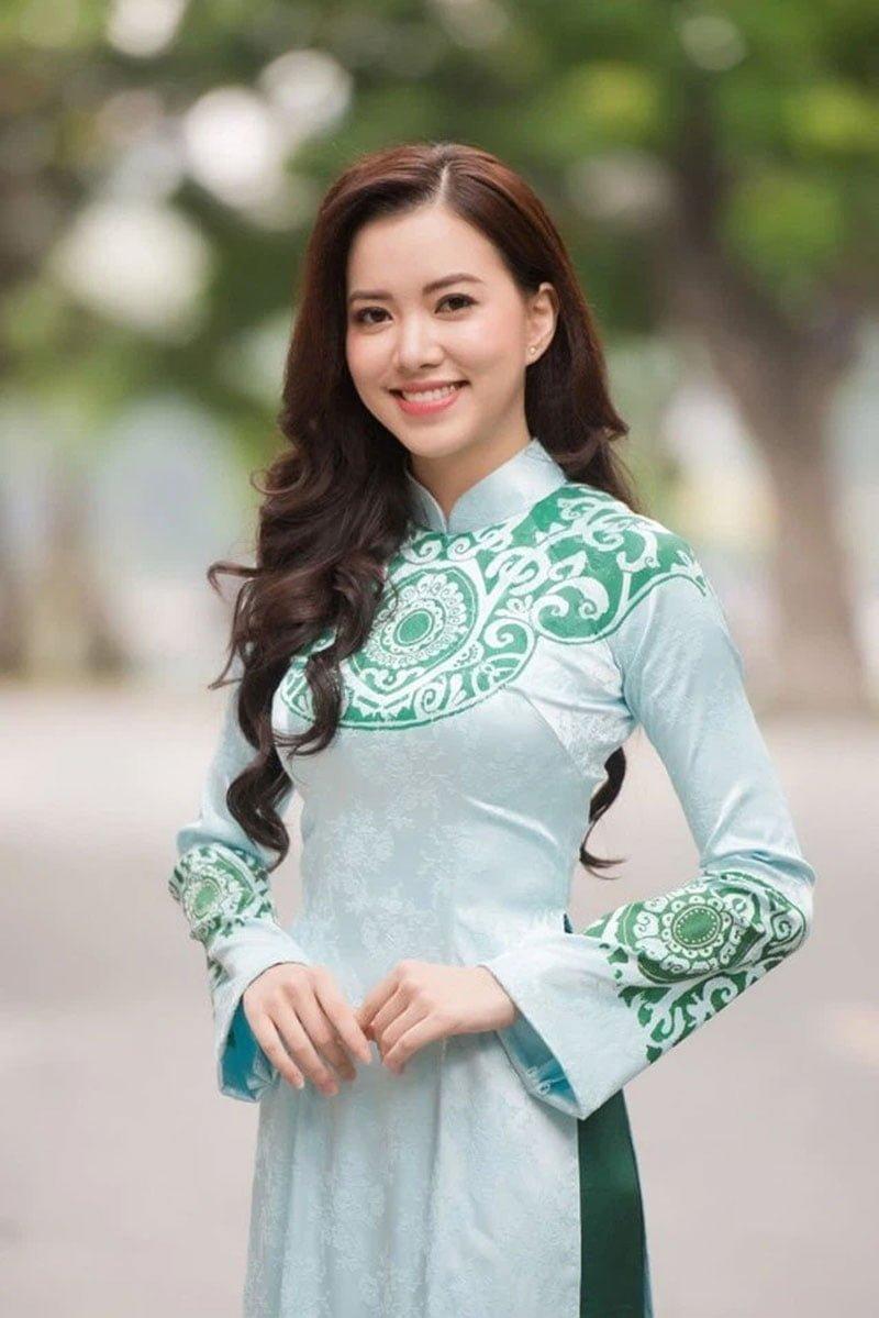 my-nhan-vtv-vua-cong-bo-ket-hon-voi-doanh-nhan-xnk-hon-12-tuoi-5-35express