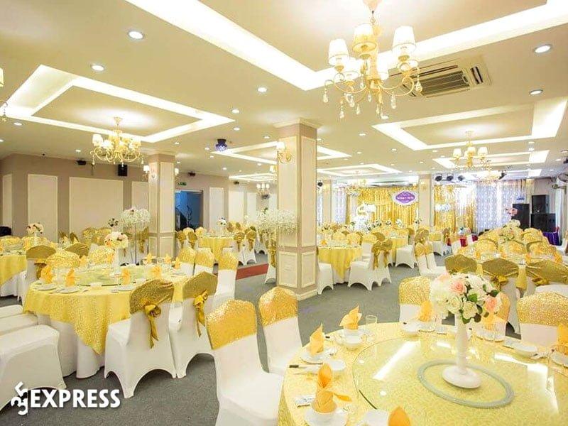 nha-hang-trang-an-place-35express