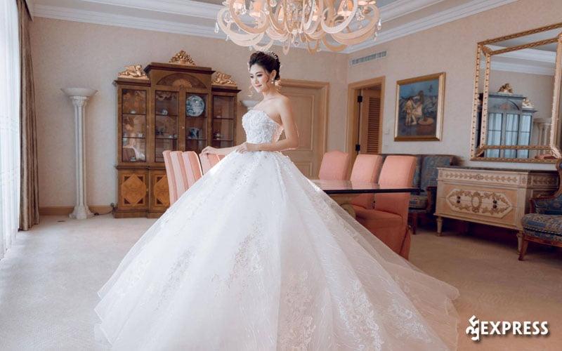 bella-bridal-35express