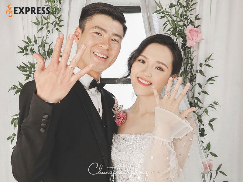 chuyen-tinh-yeu-cua-cong-chua-beo-quynh-anh-va-cau-thu-duy-manh-1-35express