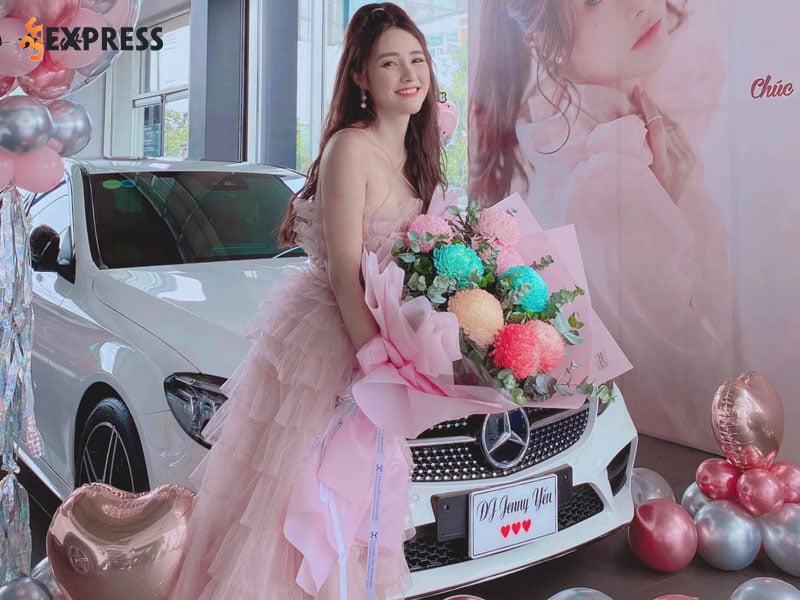 cuoc-song-sang-chanh-cua-nang-hot-girl-jenny-yen-35express