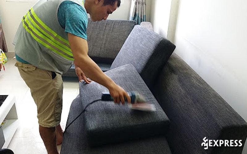 dich-vu-giat-ghe-sofa-toan-thang-cleaning-35express