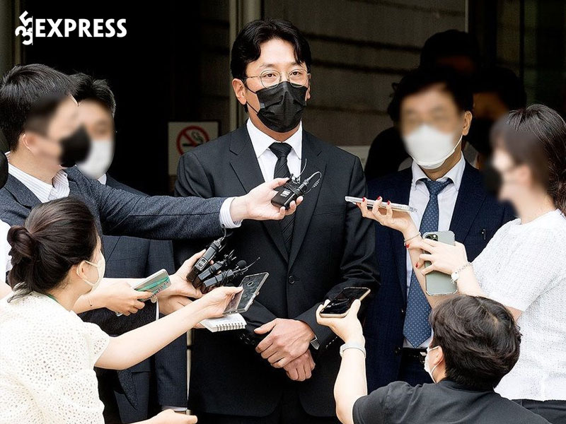 ha-jung-woo-vuong-be-boi-su-dung-chat-cam-35express
