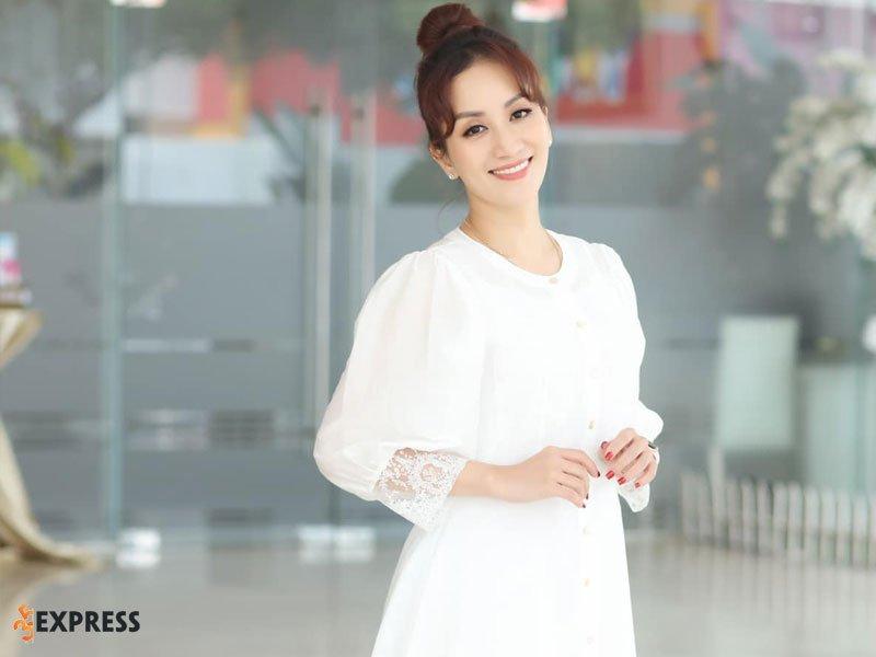 khanh-thi-la-ai-1-35express