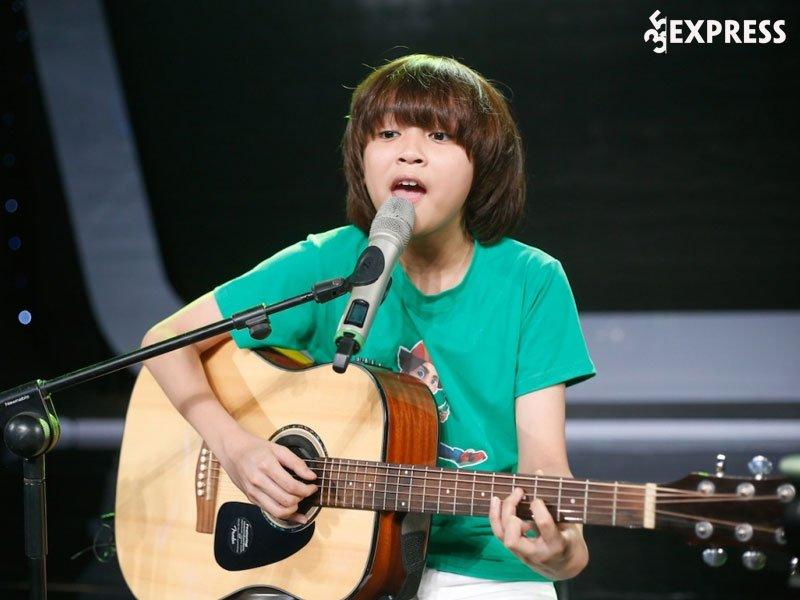 thien-khoi-quan-quan-vietnam-idol-kids-voi-mai-toc-maika-1-35express