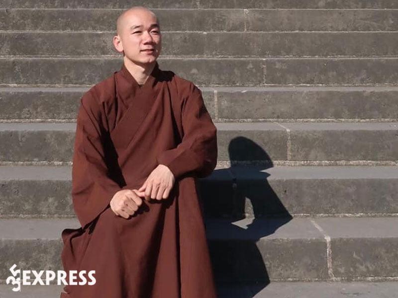 thong-tin-tieu-su-thich-tam-nguyen-35express