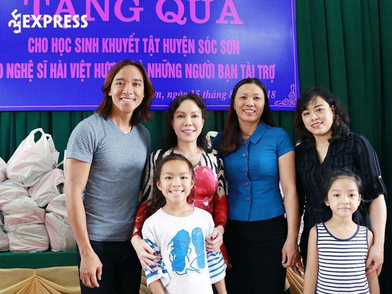 viet-huong-len-tieng-cuc-cang-vu-viec-tu-thien-35express