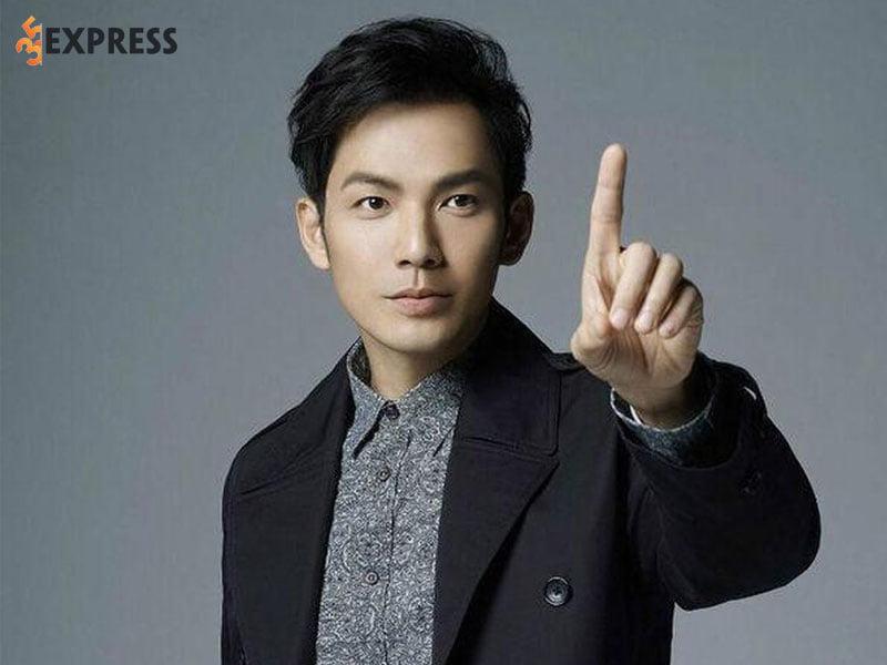 chung-han-luong-la-ai-1-35express
