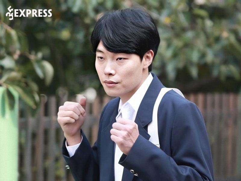 hanh-trinh-su-nghiep-tro-thanh-bao-chung-phong-ve-cua-ryu-jun-yeol-35express
