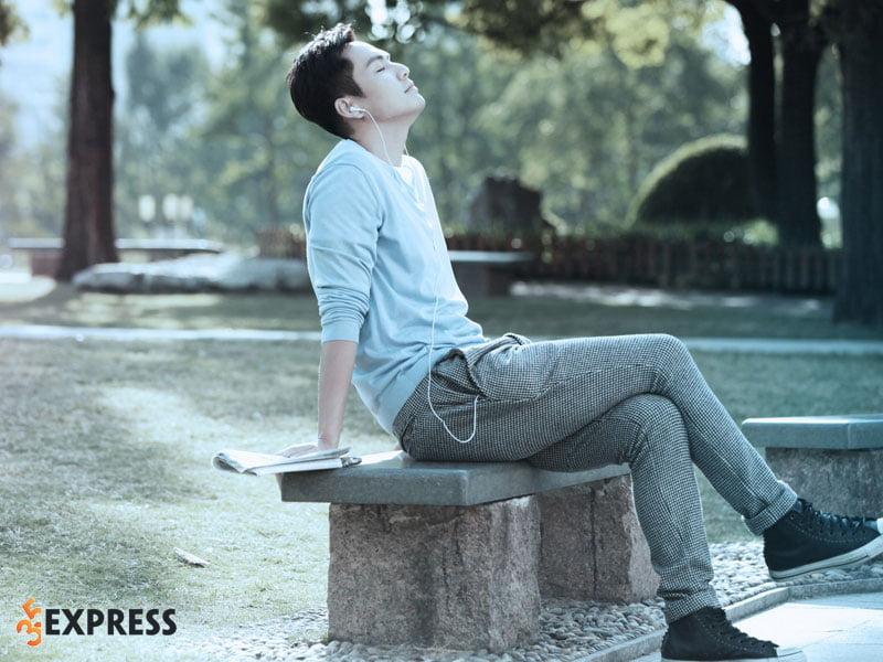 hinh-anh-nam-than-khong-tuoi-chung-han-luong-3-35express