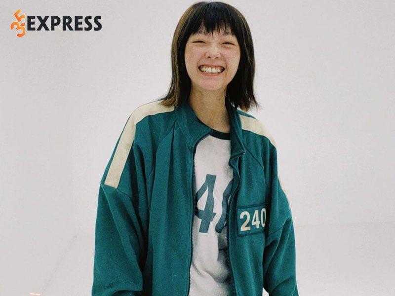 lee-yoo-mi-noi-len-tu-bo-phim-bom-tan-squid-game-1-35express