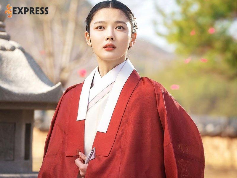 nhung-hinh-anh-dep-cua-kim-yoo-jung-4-35express