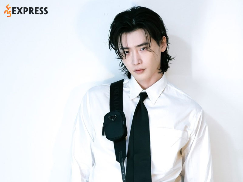 nhung-hinh-anh-moi-nhat-cua-lee-jong-suk-4-35express
