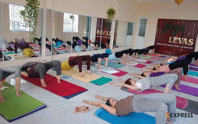 phong-tap-yoga-levas-35express