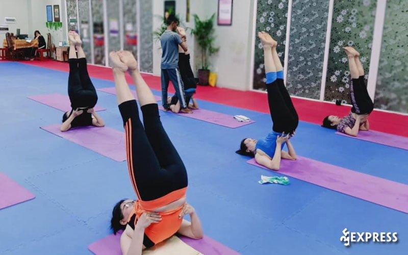 shadow-yoga-dance-35express
