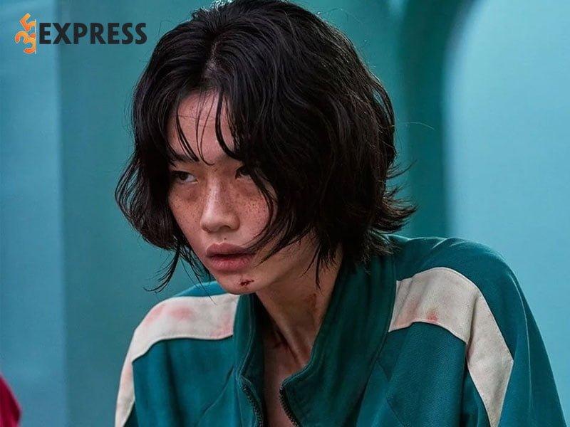 su-nghiep-cua-hoyeon-jung-1-35express