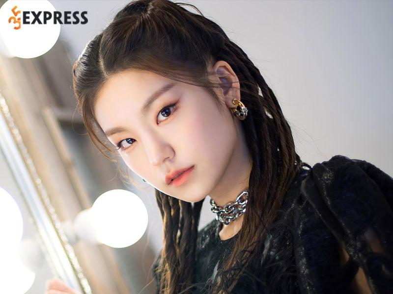 thong-tin-profile-thanh-vien-itzy-yeji-35express