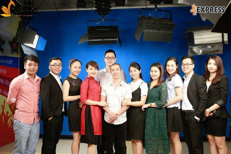 top-10-hoc-vien-dao-tao-ky-nang-mc-chuyen-nghiep-da-nang-35express-8
