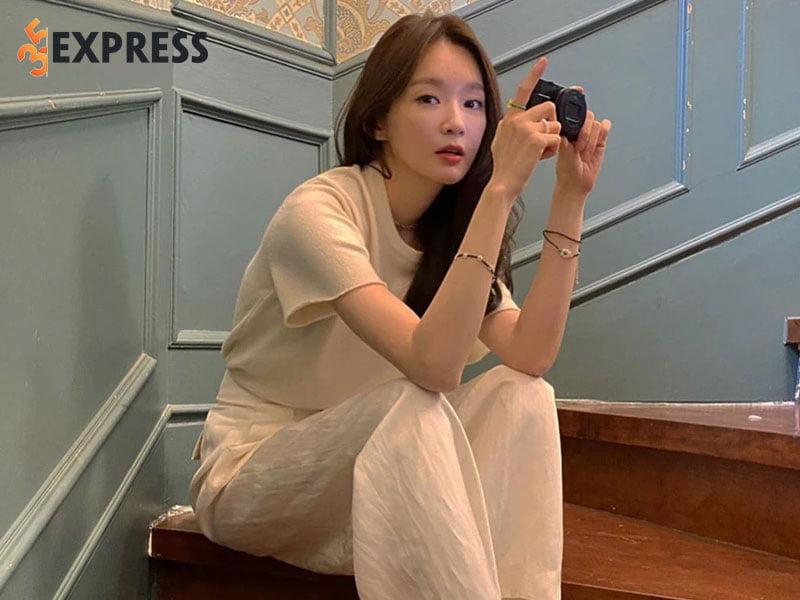 scandal-on-ao-day-dang-tiec-cua-kang-min-kyung-35express